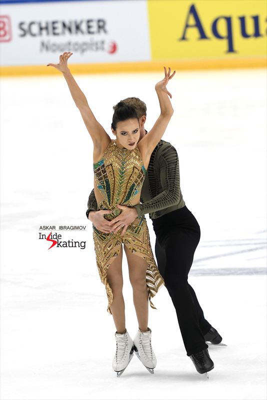 Challenger (6) - Finlandia Trophy. Oct 11 - 13, 2019. Espoo /FIN      - Страница 15 Madison-Chock-and-Evan-Bates-FD-2019-Finlandia-Trophy-2