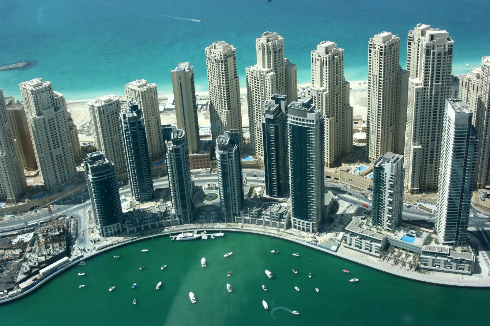 Nos villes ou village ... ou nos coin paumé en Perse comme celui de Staline. Dubai