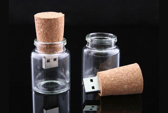 صور احدث انواع الفلاشات USB جديدة ومتنوعة الغرابة والطرافة فلاشات .. Usb-designs-01