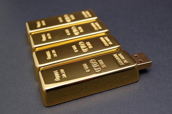 صور احدث انواع الفلاشات USB جديدة ومتنوعة الغرابة والطرافة فلاشات .. Usb-designs-06