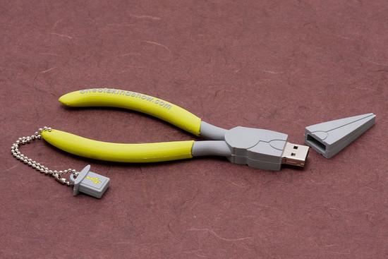 صور احدث انواع الفلاشات USB جديدة ومتنوعة الغرابة والطرافة فلاشات .. Usb-designs-41