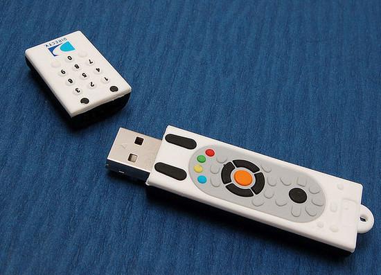 صور احدث انواع الفلاشات USB جديدة ومتنوعة الغرابة والطرافة فلاشات .. Usb-designs-43