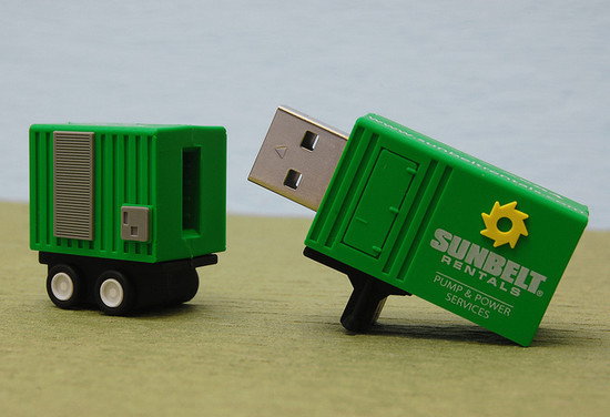 صور احدث انواع الفلاشات USB جديدة ومتنوعة الغرابة والطرافة فلاشات .. Usb-designs-45