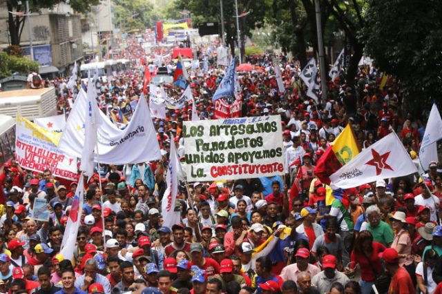Venezuela: coup de projecteur sur les zones d´ombre médiatiques Comunasmarcha_constituyente-640x426