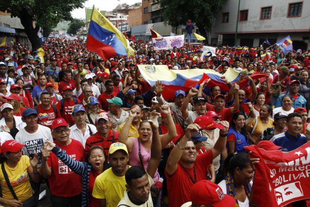 Venezuela: coup de projecteur sur les zones d´ombre médiatiques Chavismo-1-mayo-640x427