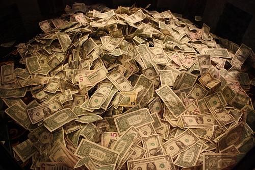 Votre humour de zèbre - Page 17 Pile-of-money1