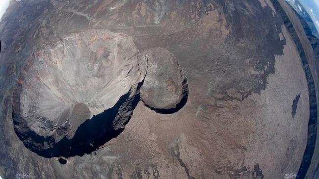Coulée de lave au Piton de la Fournaise, île de La Réunion [au 31/12/2008] Volcan