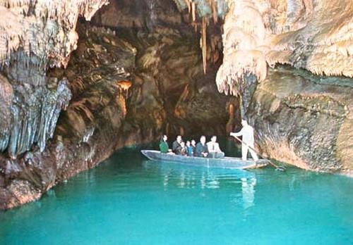مغارة جعيتا لؤلؤة السياحة في لبنان Image00013
