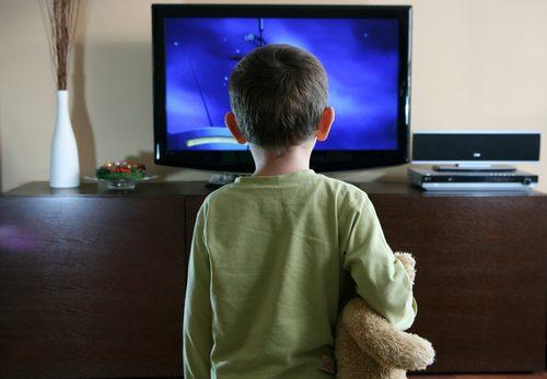 Πόσες ώρες τηλεόραση να βλέπει το παιδί μου; ChildwatchingTV2