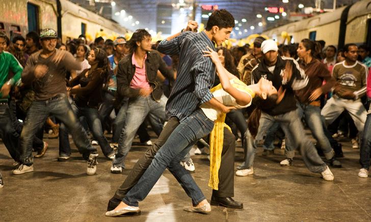 Tomorrow is Oscars!!! Slumdog-millionaire-jai-ho-dance