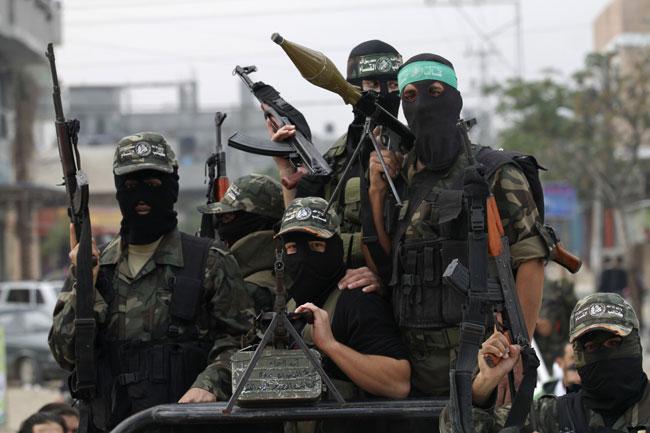 الحرب بين اسرائيل و فلسطين ( من ينتصر ؟ ) Armed_hamas