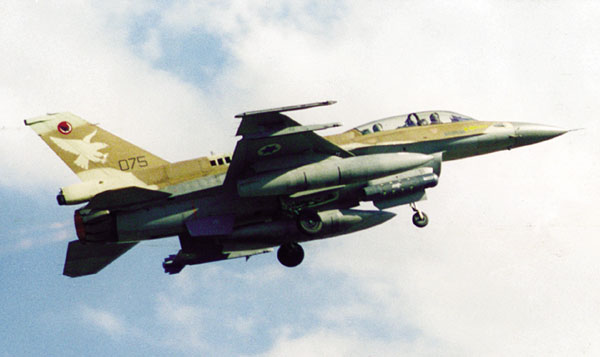 f-16 الاماراتيه & f-16الاسرائليله F-16_litening_1