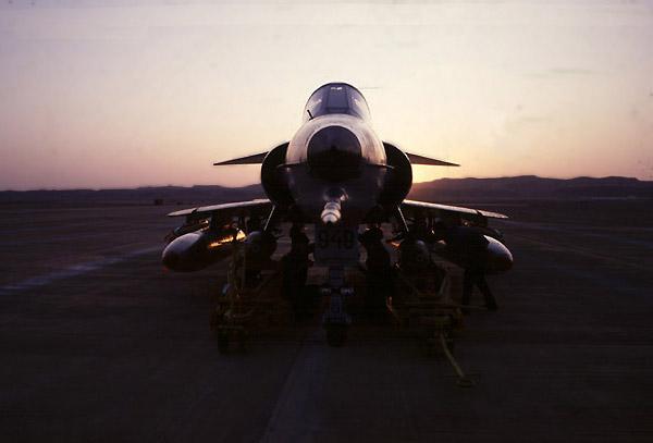 الطائرة الاسرائيليه ( الكافير ) Kfir0