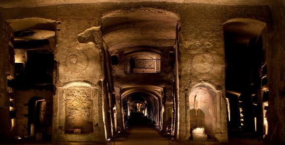 Подземные города. Карты подземных городов.  RTEmagicC_catacombe_san_gennaro_vestibolo_inferiore_08.jpg