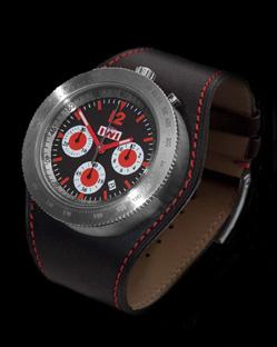Iwi montres Anglaises IWI_Chrono_RED_SIDE