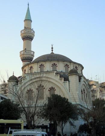 Alsancak'taki Hocazade Cami, Ahmet Ragıp Üzümcü  nasıl yaptırmış Alsancak_hocazade_cami_foto