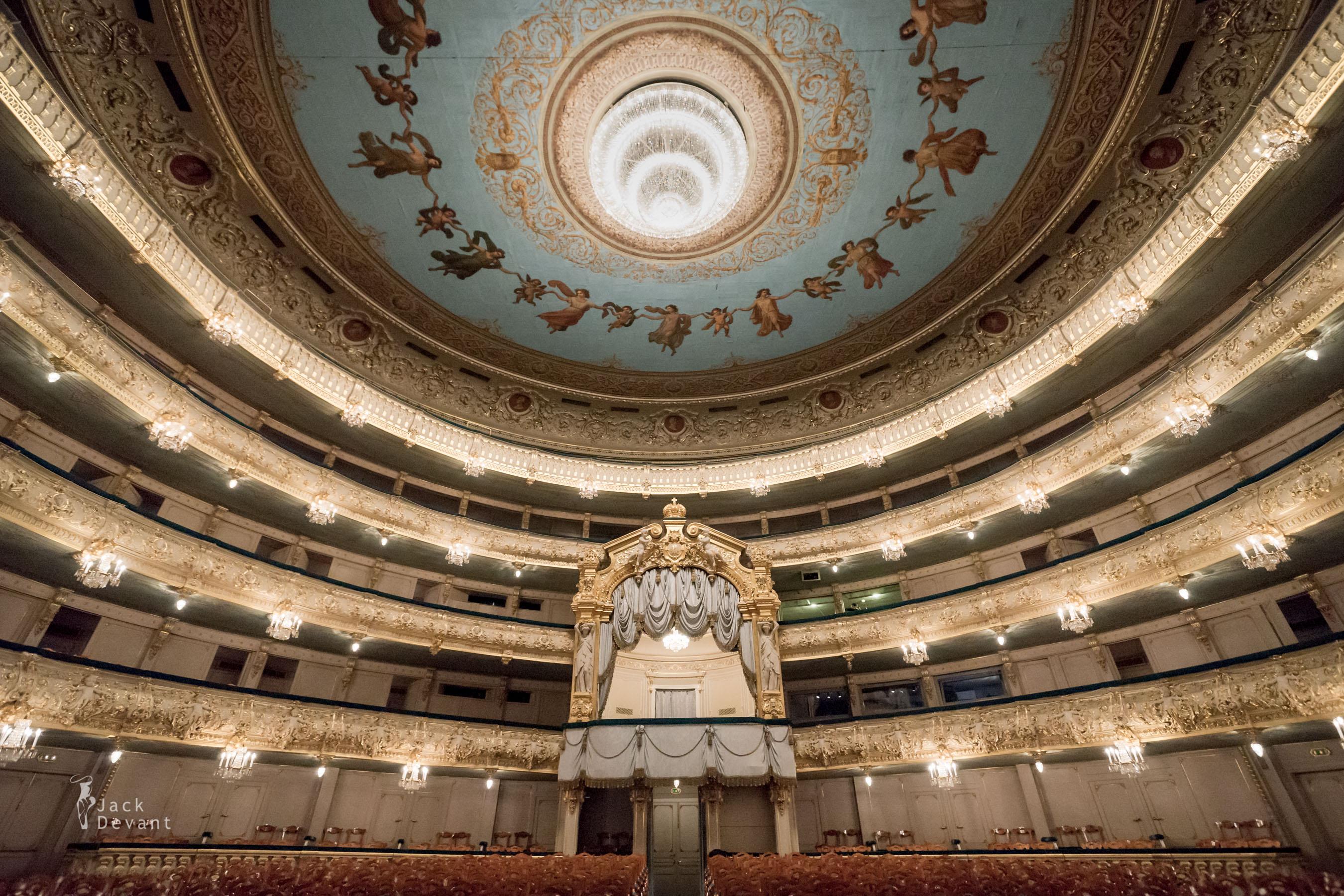 Le Théâtre Mariinsky Jack-Devant-Mariinsky-Theatre-101-3