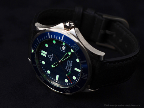James Bond, les montres James-bond-watch-omega-seamaster-254180-goldeneye-460w