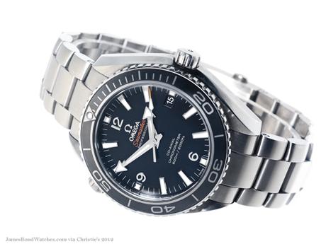 James Bond, les montres Skyfall-screen-worn-omega-james-bond-planet-ocean-titanium-watch-christies-d460x345