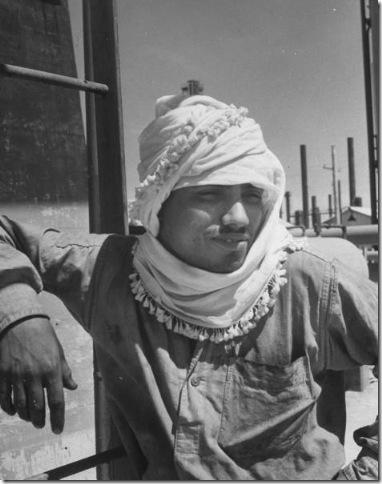صور نادرة للبحرين مجلة LIFE 1945-thumb