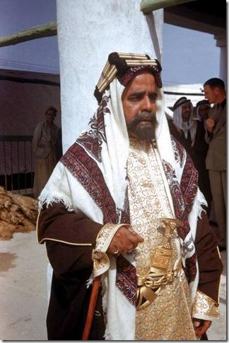 صور نادرة للبحرين مجلة LIFE 1945l-thumb