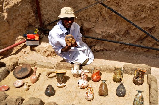 Une tombe vieille de 3 000 ans recelant huit momies découverte en Egypte ! Par Mathieu                     5113150_6_ec7f_2017-04-18-b582ab6-5058749-01-06_b01edc80de7b9a88d4e3da85d050b778