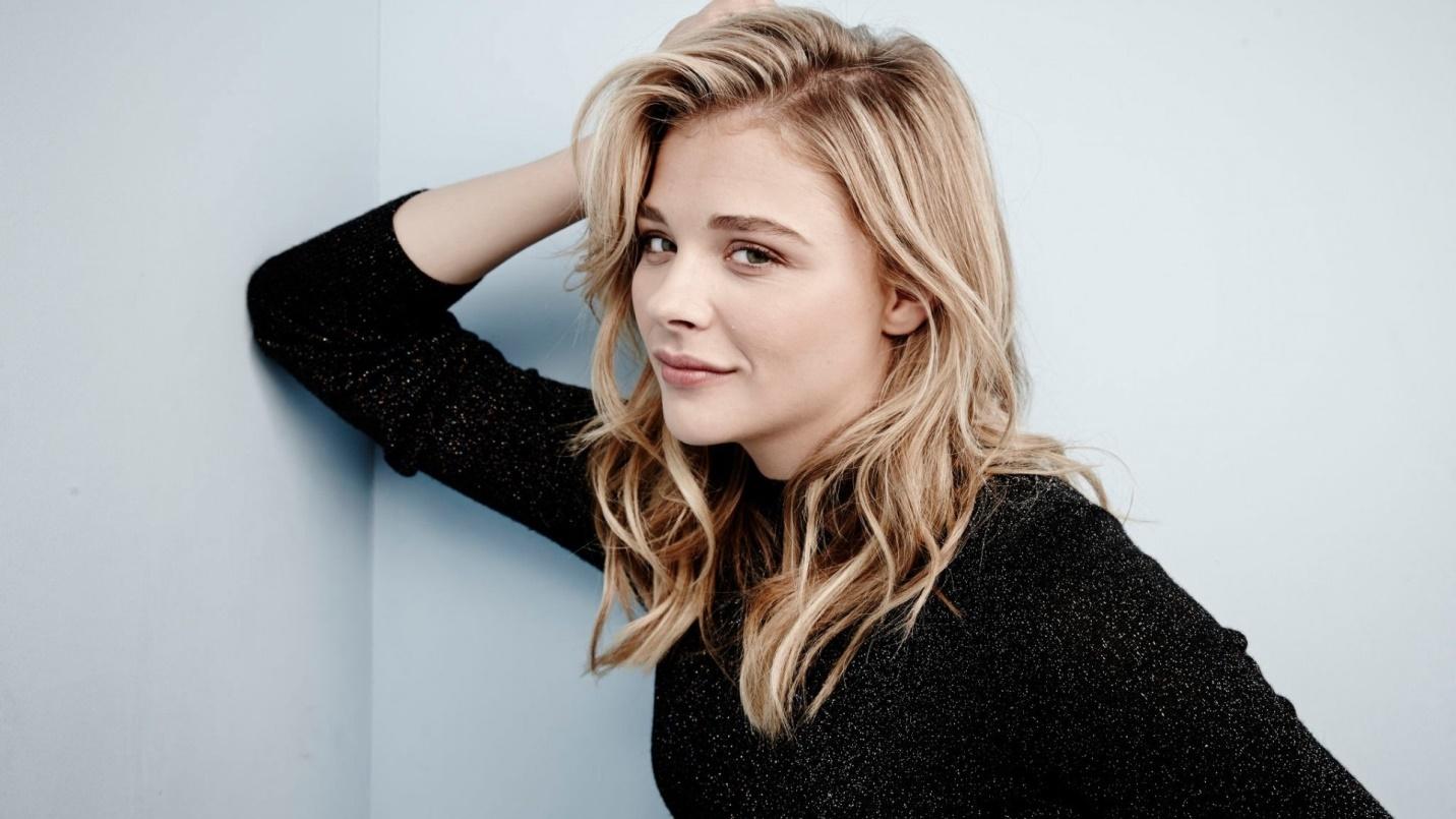 Le film parodique « Blanche-Neige » présent à Cannes est en train de faire scandale ! Par Mathieu (LJDG)                           Chloe-grace-moretz