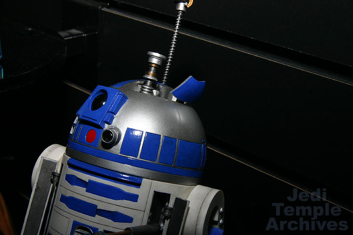 R2-D2 Statue - Page 4 02statues025