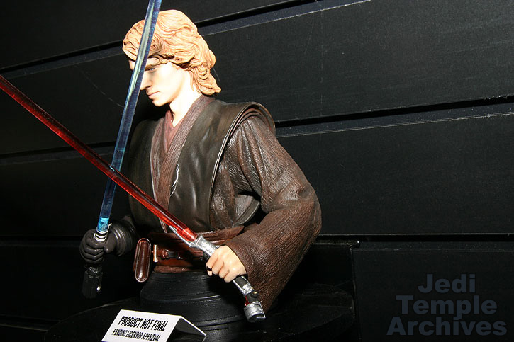 anakin episode 3 bust exclusif - Page 2 06exclusives020