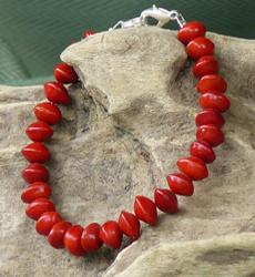 Santal rouge : Adenanthera pavonina Red-bead-seed-adenanthera-pavonina-bracelet