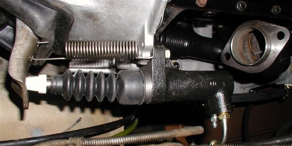 Remplacement embrayage jeep cj7  771d1248458419-79-cj7-transmission-woes-clutch_slave