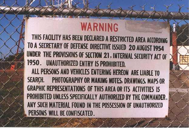 Les Camps de Concentration de la FEMA Detention_camp_sign_70