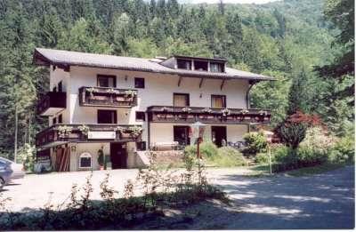 Custo de vida - Alpes The_TreeHouse_Hotel