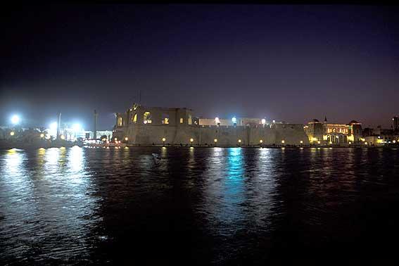 انجازات ثورة الفاتح في الجماهيرية - صفحة 2 Tripoli11