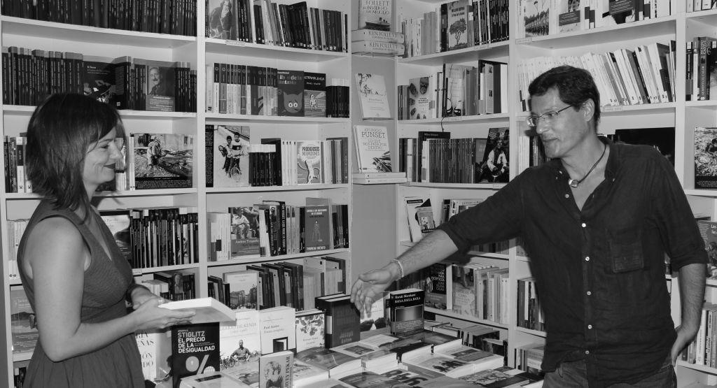 Librerias con encanto VIII: La Extra Vagante (Sevilla) IMG_3447