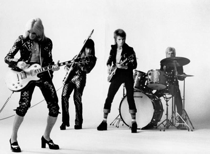 Ziggy Stardust: 40 años de invasion alienigena Imagen2.-Ziggy-and-the-Spiders
