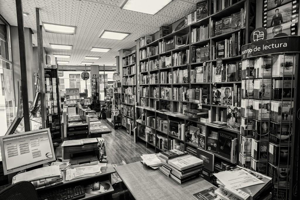 Librerias con encanto IV: El arbol de las letras (Valladolid) Libreria-el-arbol-de-las-letras-7127-1024x681