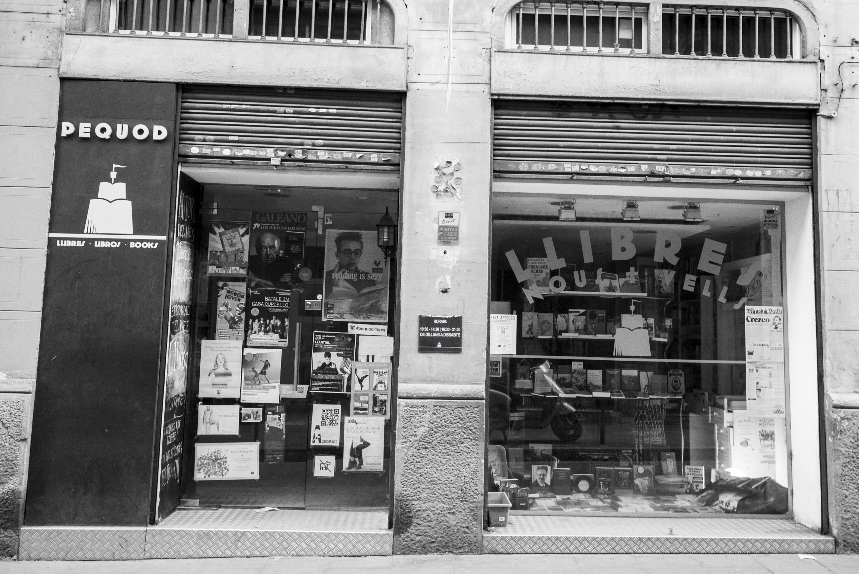 Librerias con encanto VII: Pequod Llibres (Barcelona) Fachada-Pequod