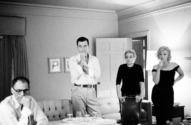 Imagenes cinéfilas - Página 6 Arthur-Miller-Yves-Montand-Simone-Signoret-y-Marilyn-Monroe