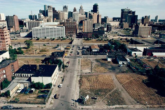 Detroit: así se hundió el Titanic del capitalismo estadounidense Downtown-Detroit-19911