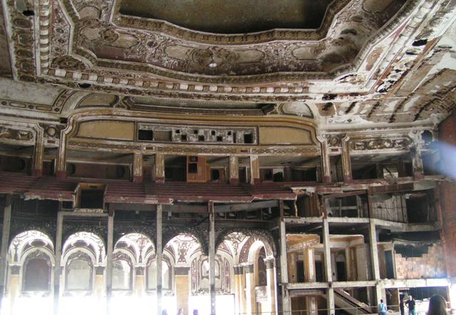 Detroit: así se hundió el Titanic del capitalismo estadounidense Michigan-Theater