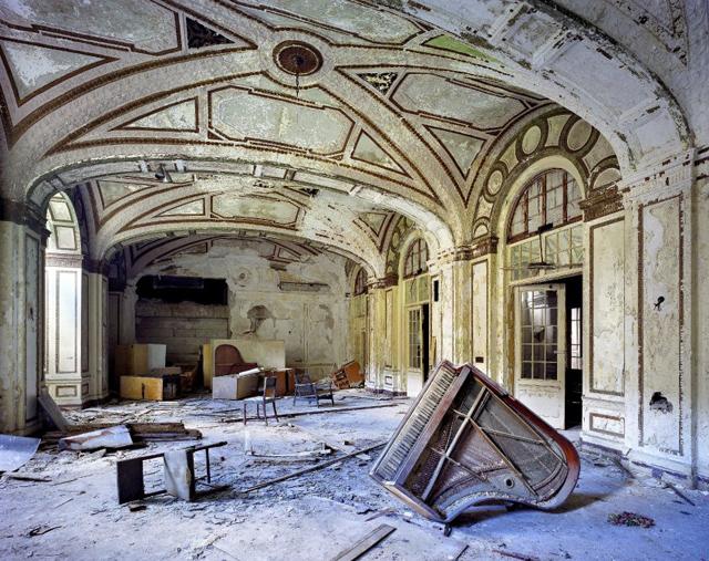 Detroit: así se hundió el Titanic del capitalismo estadounidense Plaza-Hotel