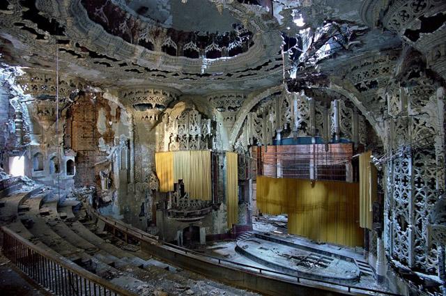 Detroit: así se hundió el Titanic del capitalismo estadounidense United-Artists-Theater