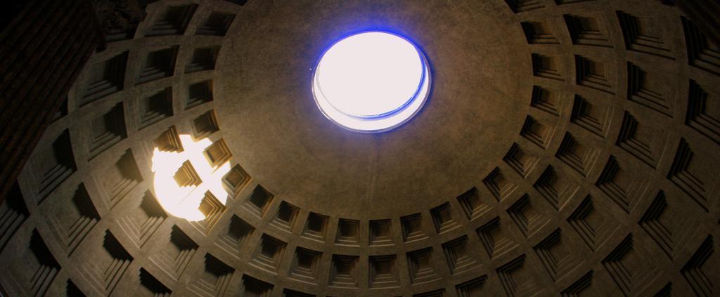 Si van a Roma y solo pueden ver una cosa, visiten el Panteon de Agripa La-caricia-%E2%80%93-Fotograf%C3%ADa-de-Abir-Anwar.
