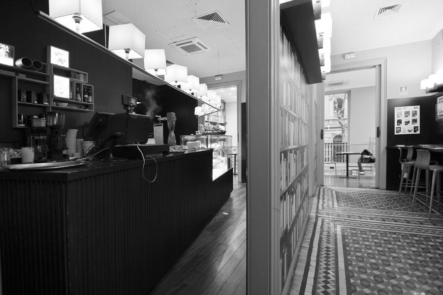 Librerias con encanto XIII: Laie (Barcelona) IMG_7635