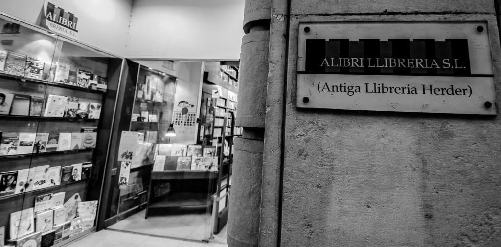 Librerias con encanto XIV: Alibri (Barcelona) Jotdown-alibri-10-1024x506
