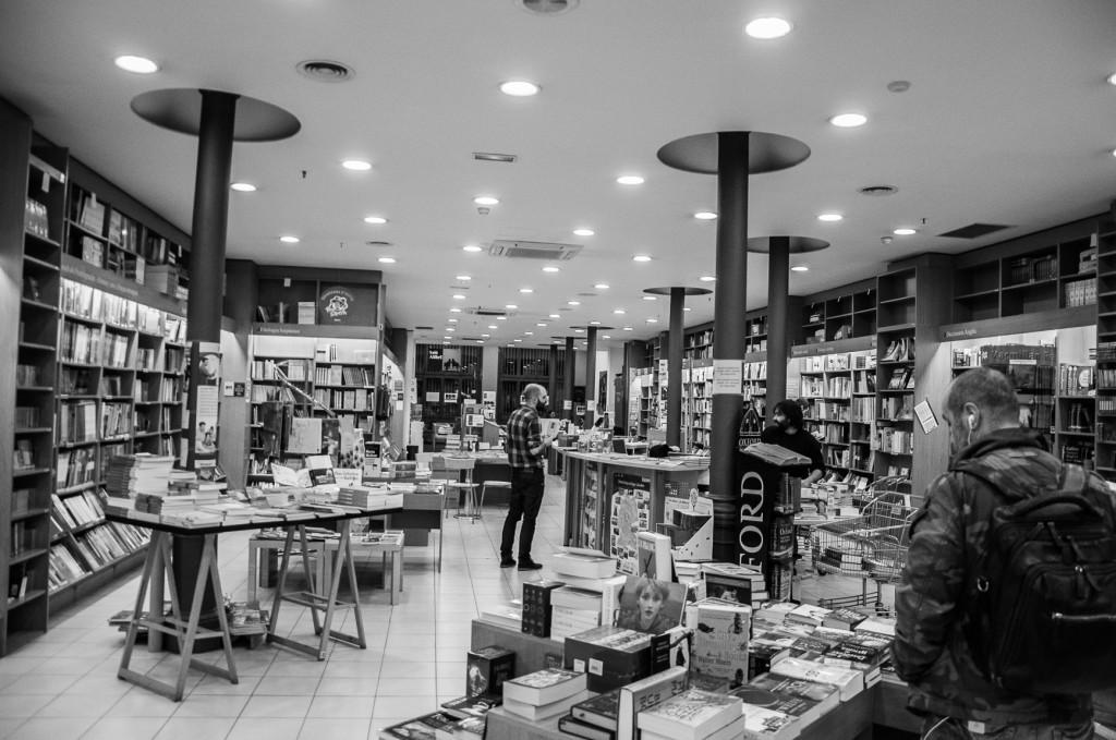 Librerias con encanto XIV: Alibri (Barcelona) Jotdown-alibri-34-1024x679