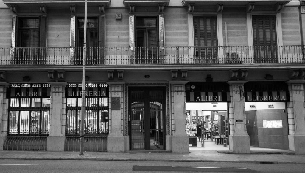 Librerias con encanto XIV: Alibri (Barcelona) Jotdown-alibri-9-1024x583