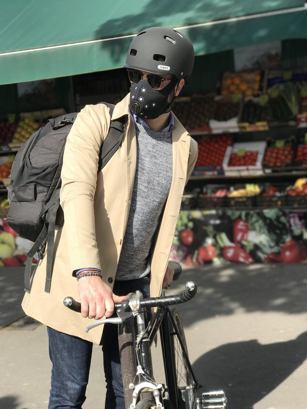 Enfin un masque anti-pollution efficace pour les cyclistes ! By DETOURS                     R-PUR-2-tt-width-1000-height-1333-lazyload-0-fill-0-crop-0-bgcolor-eeeeee