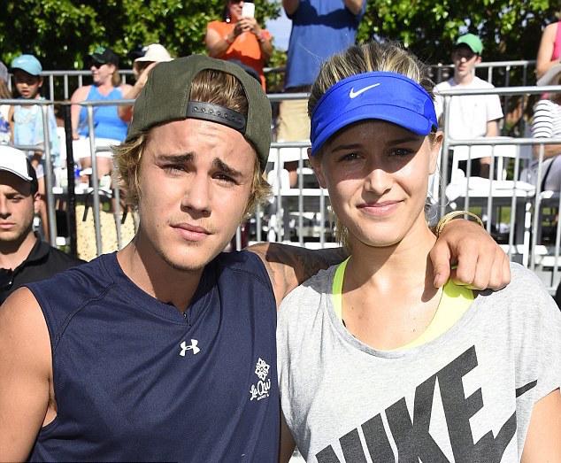 ¿Cuánto mide Justin Bieber? - Altura: 1,73 - Real height Eugenie-JustinBieber-Desert-Smash3